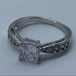 New fashion sapphire crystal princess cut sz6 ring